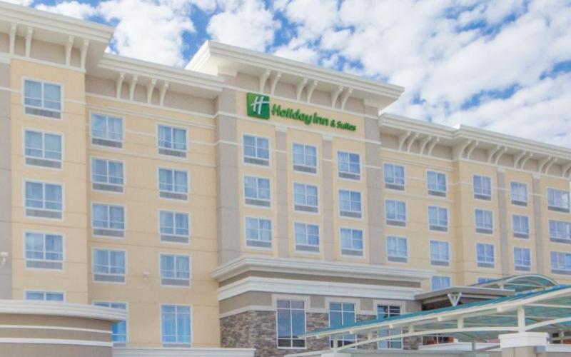Holiday Inn & Suites-davenport - Holiday Inn & Suites Davenport Standard Room Stay
