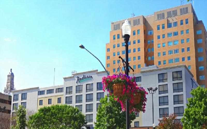 Radisson-Quad City Plaza - Davenport - Radisson  Overnight Stay  $160 Value for $80
