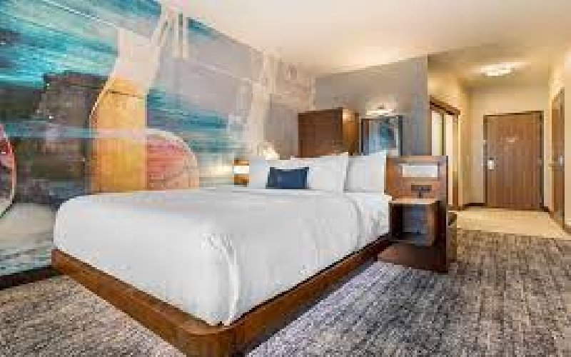 Cambria Hotel Bettendorf - Overnight stay in a standard room (Sun - Thurs ONLY)