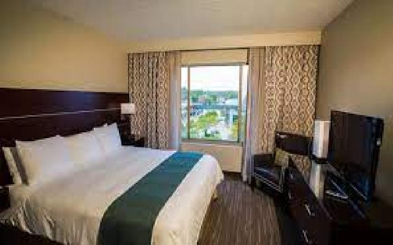 Radisson John Deere Commons - Moline - Radisson John Deere Commons-Overnight Stay in King Suite-Save 50%!