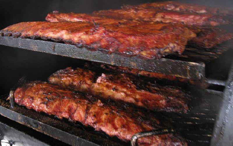 Mom & Dad's Bbq & Catering - $7.50 for $15 voucher to Mom & Dad's BBQ